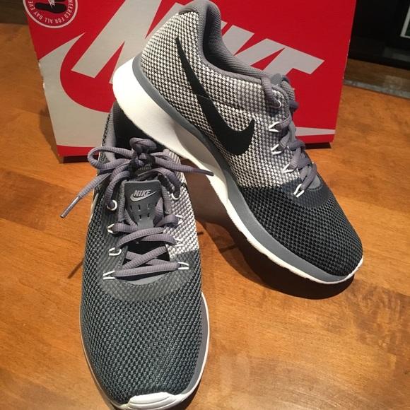 Nike scarpe   Nib Tanjun Racer Sz 7 Style 921668   Poshmark